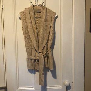 Lovely Elie Tahari sleeveless sweater wrap.